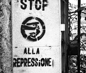 basta repressione