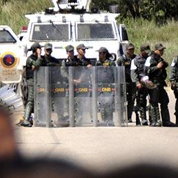 venezuela-guardie-prigione-uribana-afp-258